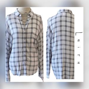 Leith~ Gray and white check print button down!